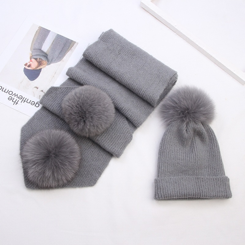 Autumn and winter fox hair, big wool ball, wool, hat, cashmere scarf, two sets, winter warm knitted hat, female skullies 2017 new arrival hedging hat female autumn and winter days wool cap influx of men and women scarf scarf hat 1866729