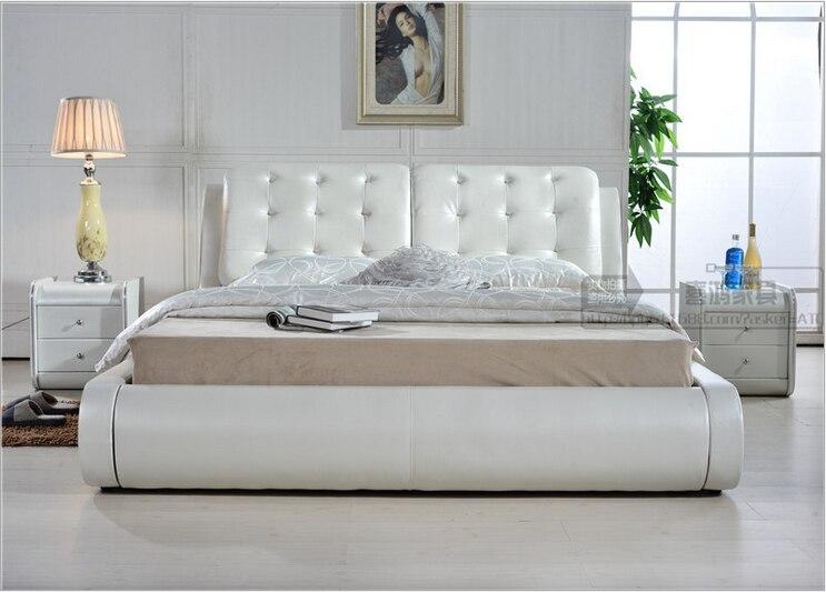 Haute qualité usine prix royal grand roi taille Véritable cuir souple lit mobilier de chambre lit douillet 0826
