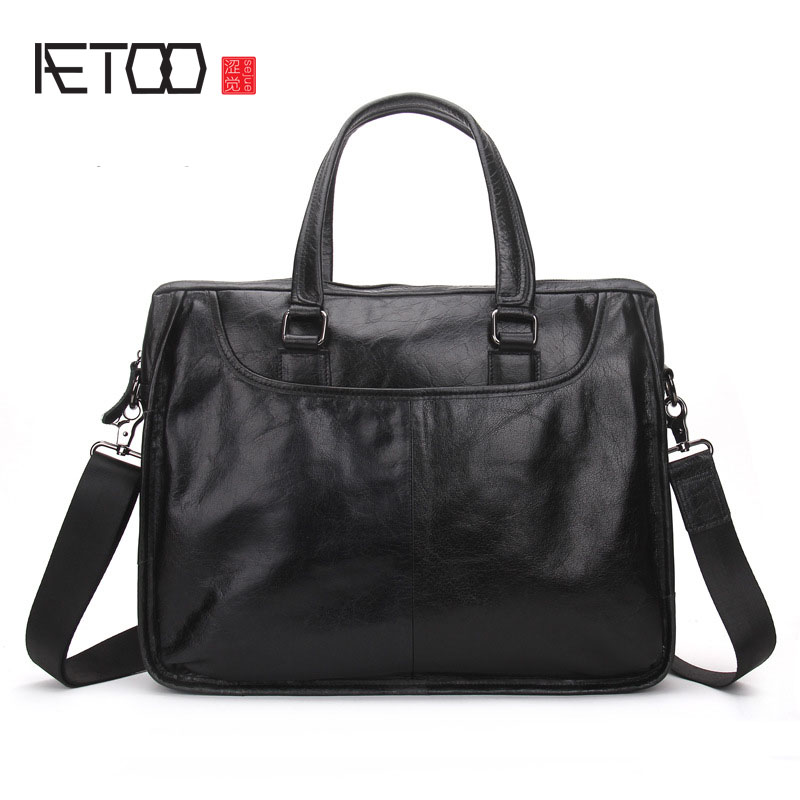 AETOO Men 's portable briefcase leather casual business men bag Korean version of shoulder Messenger bag men s leather oblique cross chest packs of the first layer of leather deer pattern men s shoulder bag korean fashion men s bag