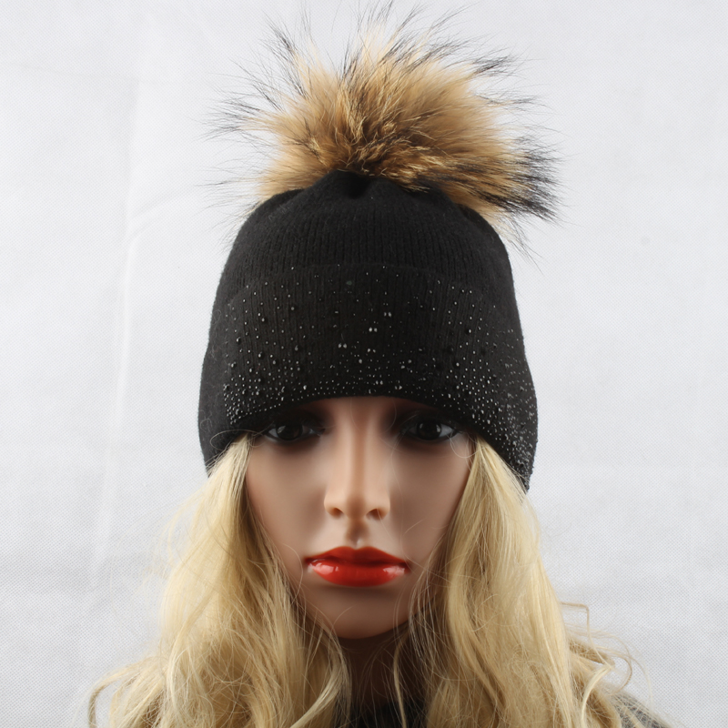 Hat Pom With Wool 12