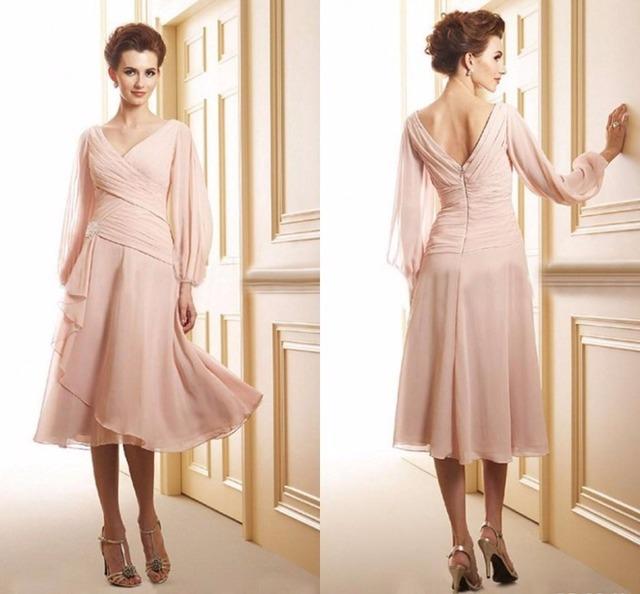 Long Sleeves Mother of the Bride Dresses Tea Length A Line V Neck Pleats Formal Mother Dress Bridal Evening Mother Grooms Gowns