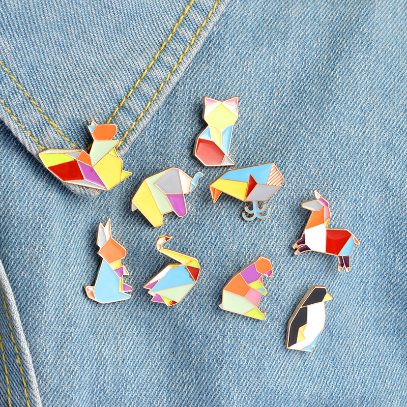 9pcs / set Origami Rabbit Swan Whale Fox Squirrel Horse Penguin Broche Pins Botón Chaqueta Collar Solapa Pines Insignia Animal Jewelry