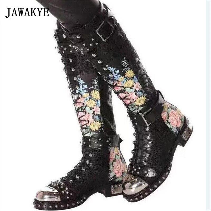 JAWAKYE Rivets Cloutés Boucle Genou Haute Bottes Femmes Brodé En Cuir Imprimer Fleur Plat Moto Bottes D'hiver Chaussures Femme