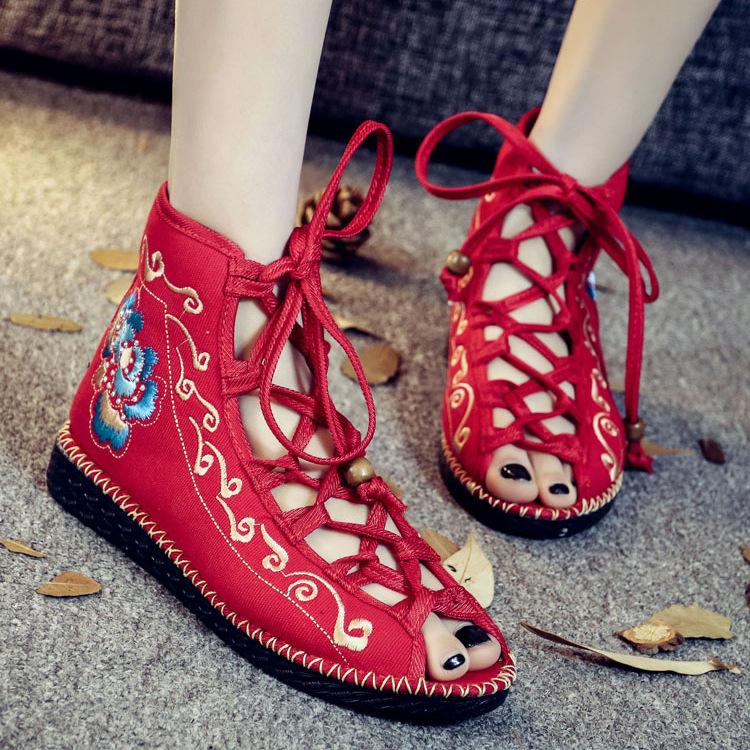 2017 Flowers Embroidered Women Ankle Buckles Canvas Flat Platforms Mid Top Elegant Ladies Soft Casual Old Beijing Shoes vintage embroidery women flats chinese floral canvas embroidered shoes national old beijing cloth single dance soft flats