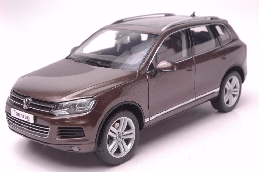 1:18 Diecast Model for Volkswagen VW Touareg 2010 Brown SUV Alloy Toy Car Miniature Collection Gifts T2 1 18 масштаб vw volkswagen новый tiguan l 2017 оранжевый diecast модель автомобиля
