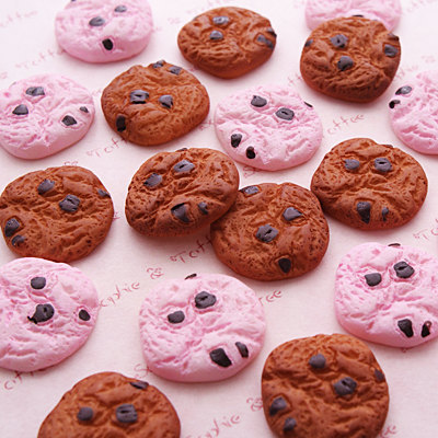 10pcs/lot Mini Kawaii Chocolate Chips Cookies Bakery Miniature Dollhouse Kitchen Decoration