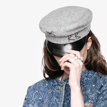 Vintage PU chico Baker tapas de los hombres y las mujeres gorra de  repartidor de bordado militar de lana clásico británico mujer. e9eb9f2d956