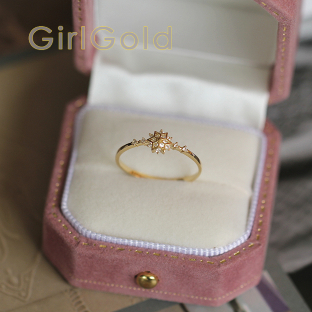 9k Solid Gold Crystal Ring  snowflake Shape Minimalist Simple Stacking Ring, Dainty Gold Ring, Statement Solitaire Ring9k Solid Gold Crystal Ring  snowflake Shape Minimalist Simple Stacking Ring, Dainty Gold Ring, Statement Solitaire Ring
