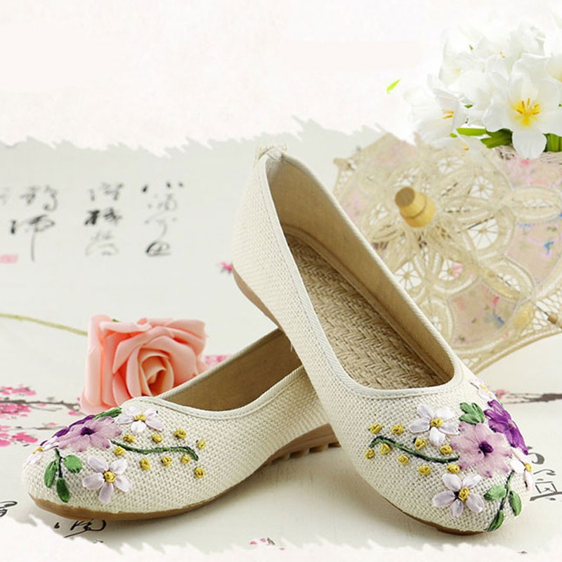 2016-New-Women-Flower-Flats-Slip-On-Cotton-Fabric-Casual-Shoes-Comfortable-Round-Toe-Student-Flat (2)