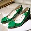 Bombas Mulheres Sapatos 2016 Primavera Verão New Europeia Apontou Fivela sapatos de Salto alto Sapatos Mais Leves Grosso Salto Baixo Único Sapatos Altos vermelho