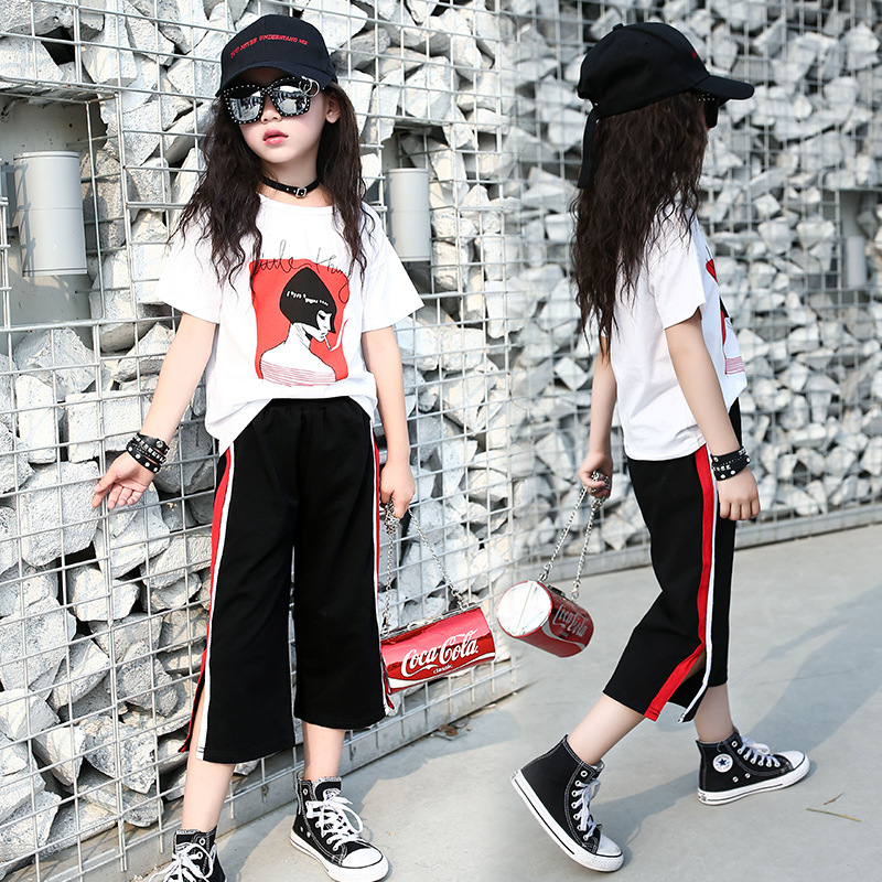 Girls Summer Casual Set Girls Cropped Pants Suits O Neck Sports Print T Shirt And Seven Inch Trousers Vent Pants Two Pieces Set