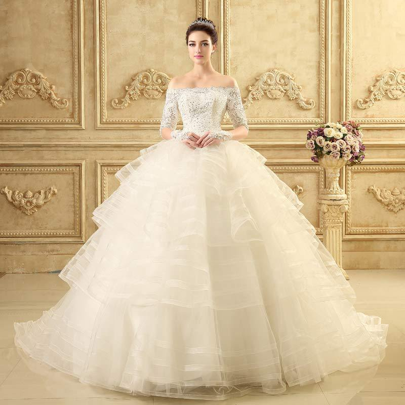 Lace wedding dress designers list mini bridal for Wedding dresses in europe