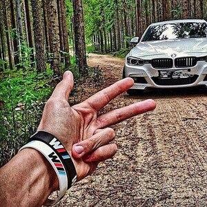 Image 4 - 100 pièces M puissance Sport Bracelet pour BMW Club Fans Bimmer Silicone Bracelet///M lumineux hologramme caoutchouc Bracelet tous les cadeaux de série