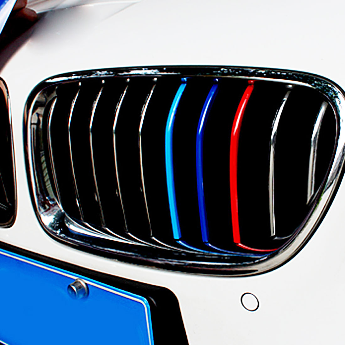 Dewtreetali super offer high quality 3 Color Front Grille Grill Vinyl Strip Sticker Decal For BMW M3 M5 E46 E60 E90 Car Styling цена