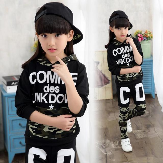 Mais novo Camuflagem Roupas Para Meninos Impressão Carta Roupas De Menina Com Capuz Crianças Roupas de Hip Hop Blusas de Manga Longa para as meninas