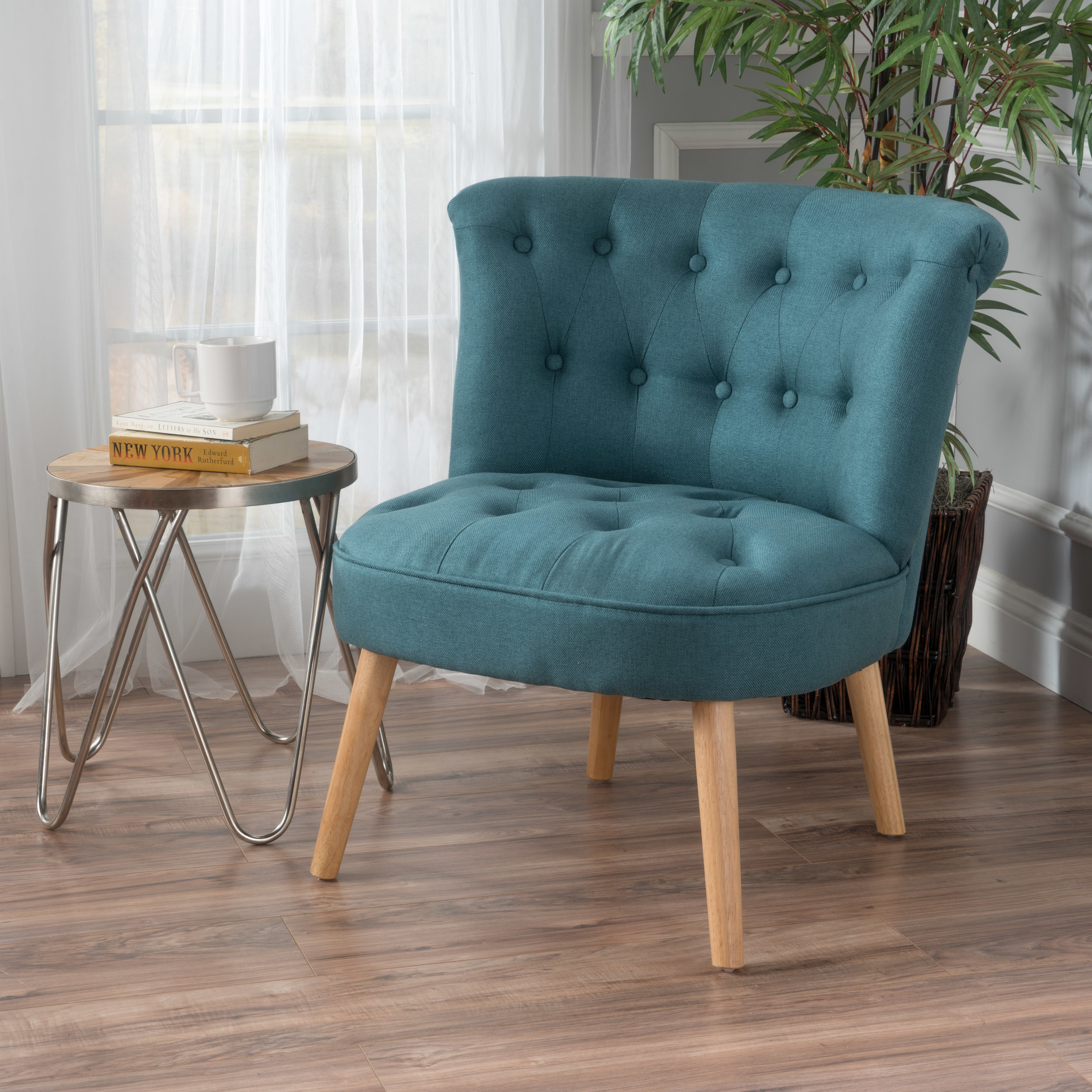 Donna Plush Modern Tufted Accent Chair In Living Room Chairs