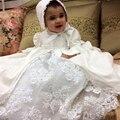 Com Bonnet Menina Do Batismo Do Bebê Vestidos Puff Mangas Compridas A-line Beading O Pescoço De Cetim Vestidos de Batismo Do Bebê Do Aniversário Branco Luxo