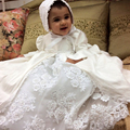 Con el Capo Del Bebé Del Bautizo Vestidos Puff Manga Larga Una Línea de Abalorios O-cuello de Satén Bebé Cumpleaños Bautismo Vestidos Blanco de Lujo
