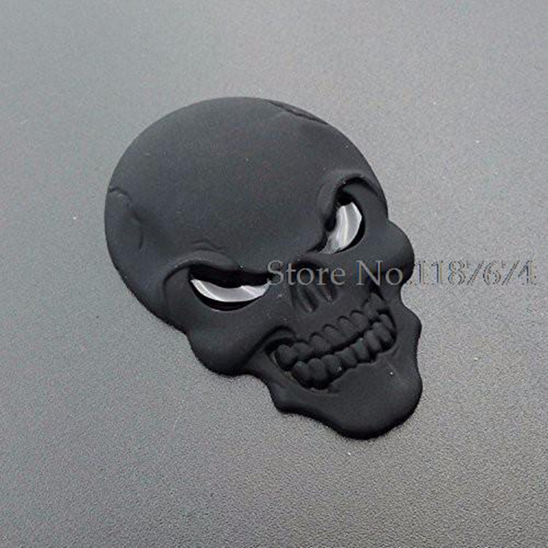 Colors Fashion Cool Red Eyes Matel Logo Cars Sticker Skulls - Car sign with wings