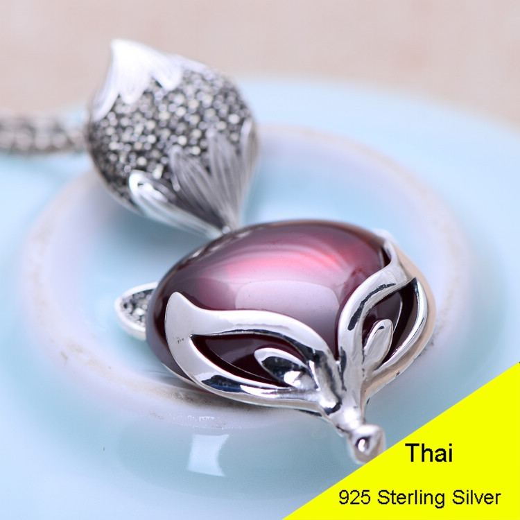 925 Sterling Silver Retro Red Garnet Spirit Fox Pendant Women Thai Silver Fine Jewelry Gift CH047497 925 sterling silver retro garnet vajry pestle necklace pendant men thai silver fine jewelry gift ch021420