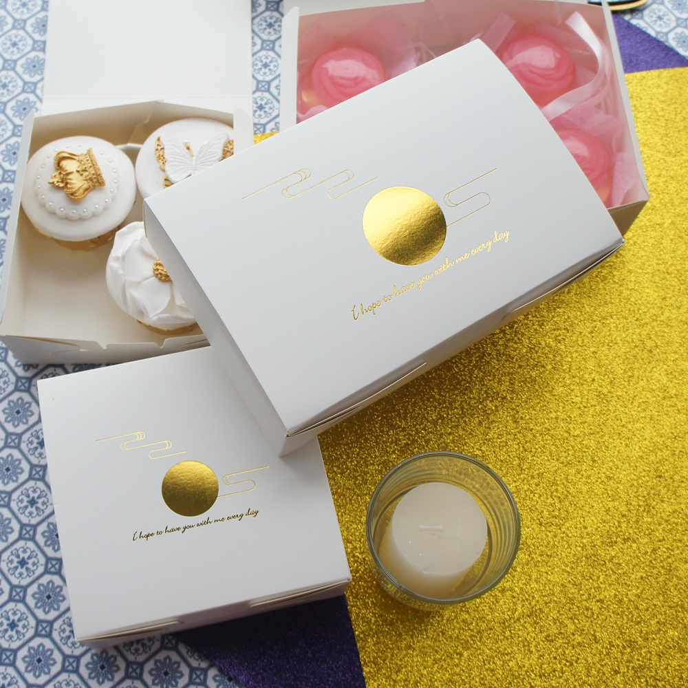 10pcs gold moon cloud design cookie Macaron Chocolate Paper Box wedding Birthday Party Gifts Packaging Storage Boxes