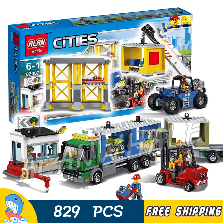 829pcs New City Town Cargo Terminal Trailer Truck 02082 Model Building Blocks Children Toys Holiday Bricks Compatible With lego lepin 02082 new 829pcs city series the cargo terminal set diy toys 60169 building blocks bricks children educational gifts model