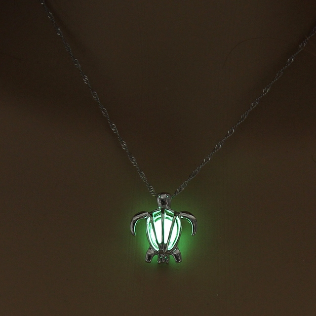 Fashion Jewelry Vintage Silver Color Chain Hollow Turtle Pendant Necklace Glowing In The Night Luminous For Women Necklace 3