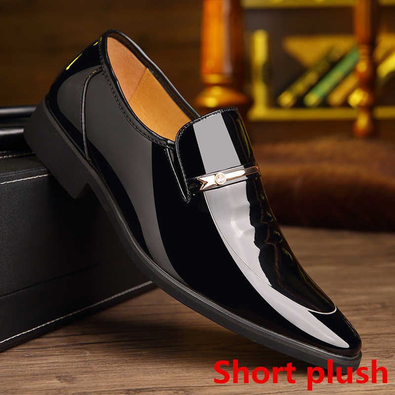 Loafers mannen trouwschoenen coiffeur mens jurk laarzen pak schoenen italiaanse lift schoenen voor mannen bruin jurk sepatu slip op pria