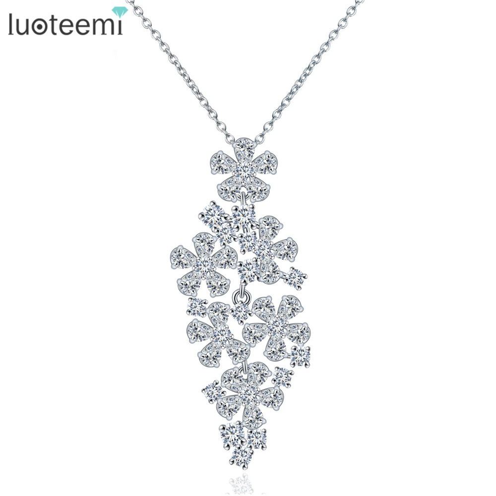 LUOTEEMI New Trendy White Gold Plating Sparkling Pure Clear Zircon Romantic Flower Shaped Statement Pendant Necklace