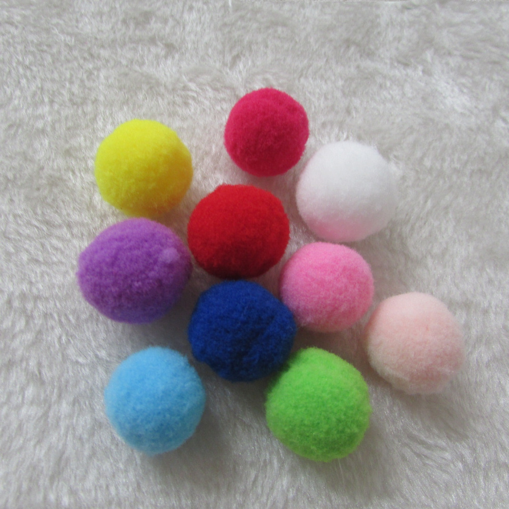 fashion 100pcs sell Crafts 2.5cm Crafts Round Shaped Pompom Mixed Color Soft Fluffy for Wedding for kids party home Decoration