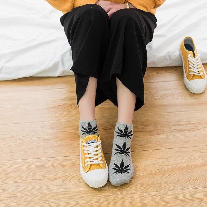 נקבה כותנה עלים הדפסת סקייטבורד רחוב אופנה מייפל גרבי היפ הופ סגנון נשים קצר Harajuku סגנון פס כותנה גרביים