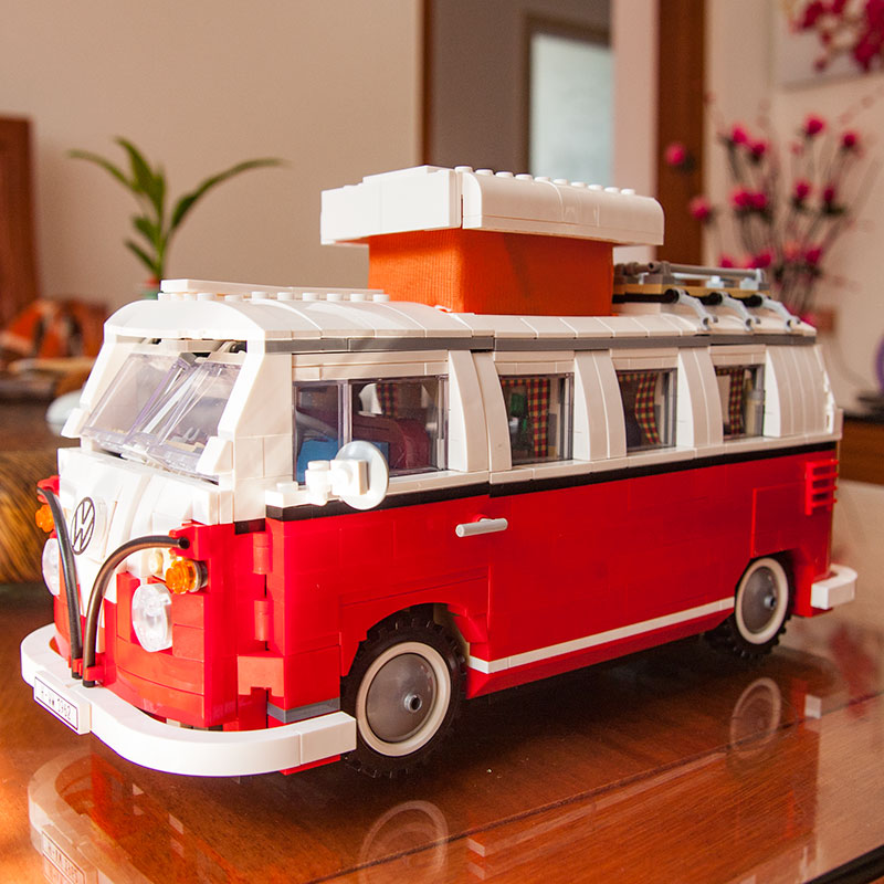 Creator of The Difficult Series Is Compatible with Volkswagen Beetle T1 Camping Car Model Assembly Blocks Toy shu ke 1 18 t1 volkswagen bread schuco berlin fire truck engine car model
