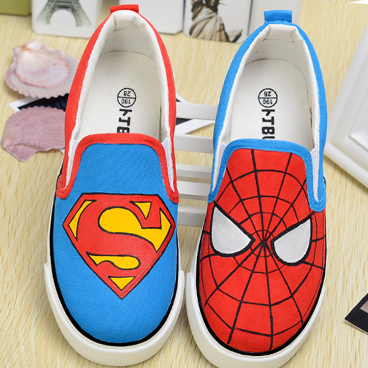 Childrens Hand Drawn Cartoon Spider Man AB Version Low Canvas Shoes, Casual Shoes Feet To Pull The Cart Parent-child Size 25-44Childrens Hand Drawn Cartoon Spider Man AB Version Low Canvas Shoes, Casual Shoes Feet To Pull The Cart Parent-child Size 25-44