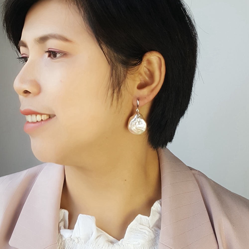 Lii Ji Real White/Pink Coin Shape Baroque Pearl 20-21mm Drop Earrings For Women Drop Shipping