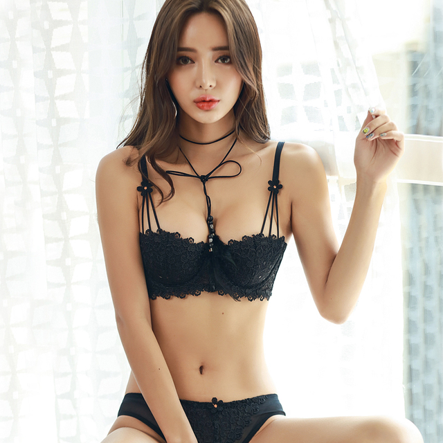 Секс фото девушки в красивых кружевных белых трусиках, ххх спазматический оргазм