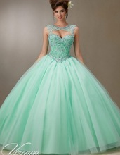 Mint Green Pink Quinceanera Dresses 2017 Ball Gown Sequins Beaded Puffy Sweet 16 Dresses Vestidos De 15 Anos Party Gowns QR137
