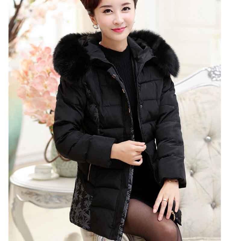 dc0fd315b Anual-de-invierno-abrigo-de-mediana-edad-de-las-mujeres-bordado-de-algod-n-con-capucha.jpg