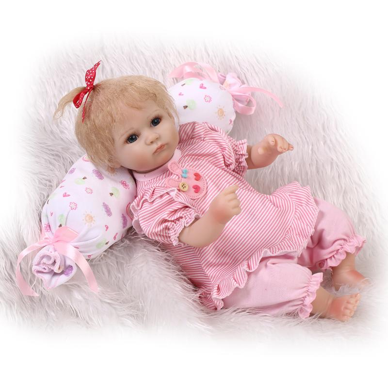 ФОТО 42CM Bebe Silicone Reborn Babies Dolls for Girls Toys Lifelike Newborn Baby Bonecas with Pink Clothes Round Pillow Juguetes