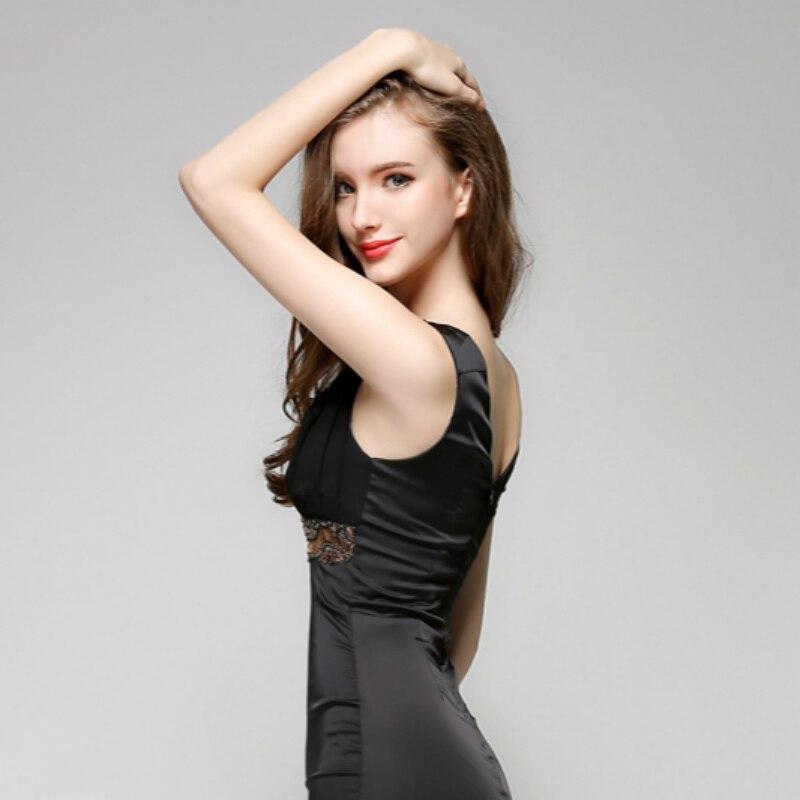 Купить женское облегающее платье с v образным вырезом без рукавов черное
