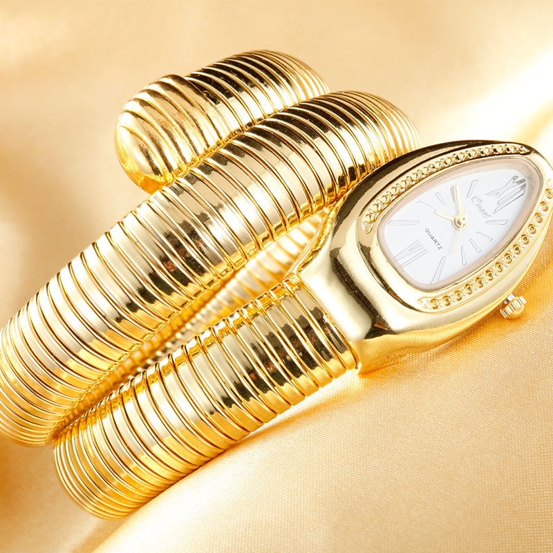 CUSSI 2019 Gold Luxury Women's Snake Watches Fashion Quartz Wristwatches Ladies Bracelet Watch Clock Reloj Mujer Relogio Feminin