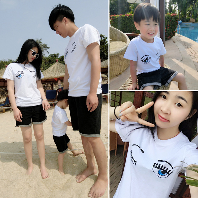 De COLOR blanco 2016 nueva primavera / verano de la familia a juego trajes padre madre sus hijas grandes ojos pestaña impreso béisbol T Shirt