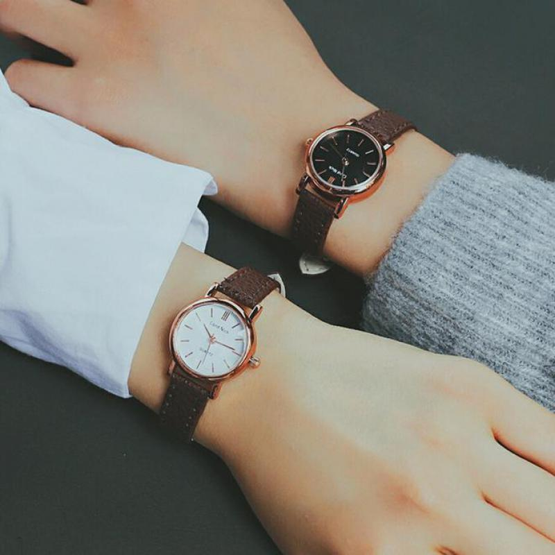 New Fashion Style Leather Watch Women Vintage Watches Female Dress Wristwatches Small Dial 4 Colors Black Brown