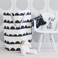 2016 Nueva Llegada Del Bebé Juguetes Bolsas De Almacenamiento Triángulo Rejilla patrón Bolsa Colgando Bolsa de Pañales Puede de Pie Hogar Para Sala decoración