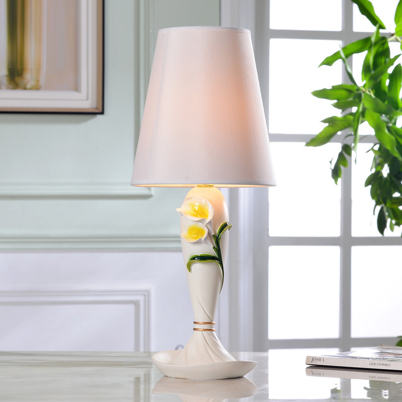 TUDA 2017 New Free Shipping Flowers Lamp Led Table Lamp Bedroom Wedding Desk Lamp Lily Carved Table Lamps Rose Calla Lily Carved 2016 new 16 color changing rgb pe material led table lamps lighting for wedding atmosphere night lamp free shipping 4pcs lot