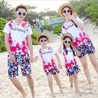 2017 Family Matching Clothes Mother Daughter Father And Son Clothing Set Holiday Printed T Shirt And