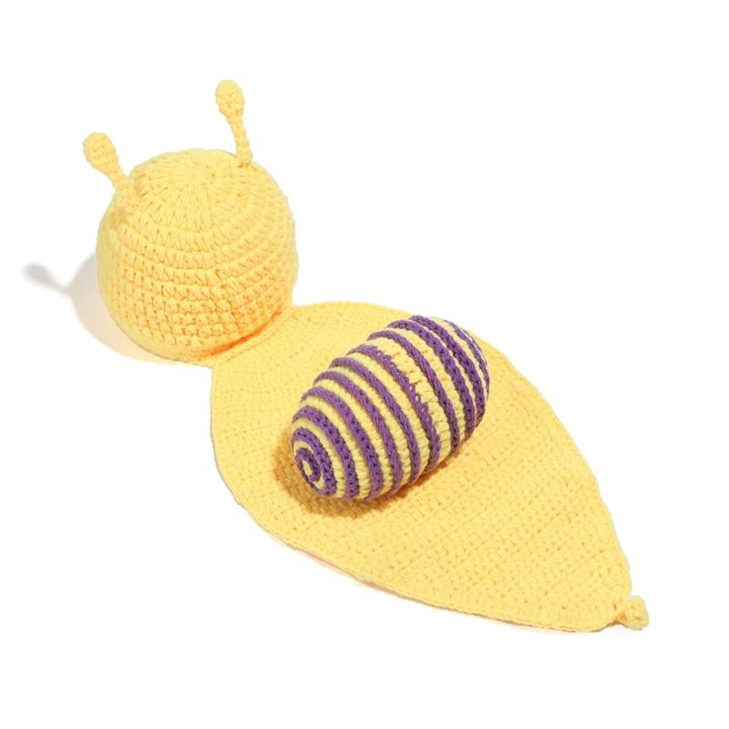 2ae86429c Infantil hecho a mano de lana salvaje Caracol recién nacido bebé fotografía  traje suave adorable ropa ganchillo cien días bebé Accesorios en Sombreros  y ...