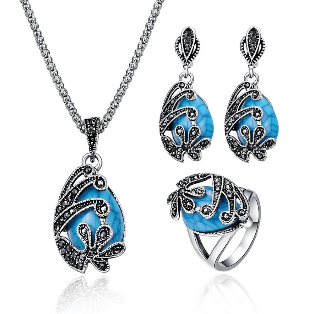 Vintage Women Jewelry Sets...