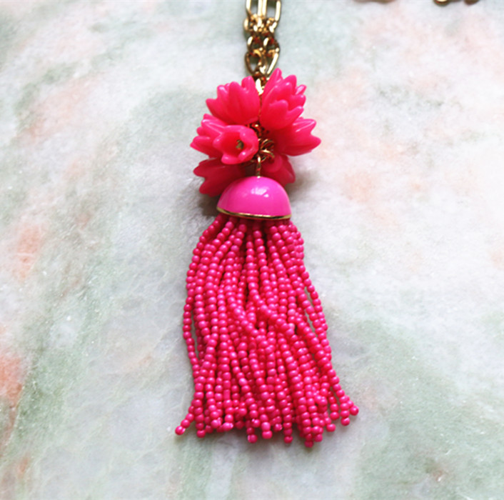 Free shipping new tassel bead costly necklace