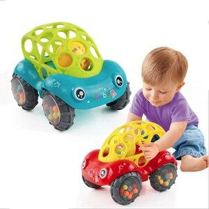 Image 1 - Mini Baby Car Doll zabawka do kołyski Grip Hand Catch Ball dla noworodka zabawka samochód inercyjne slajdów z kolorowa piłka Anti fall zabawka dla dzieci