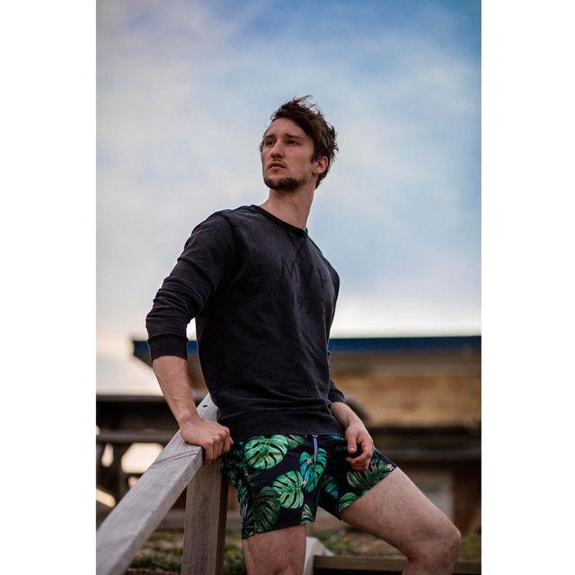 2018 Brand New Swim Shorts Swimwear Swimming Trunks Charm Underwear Boxer Briefs Pants Men Bathing shorts